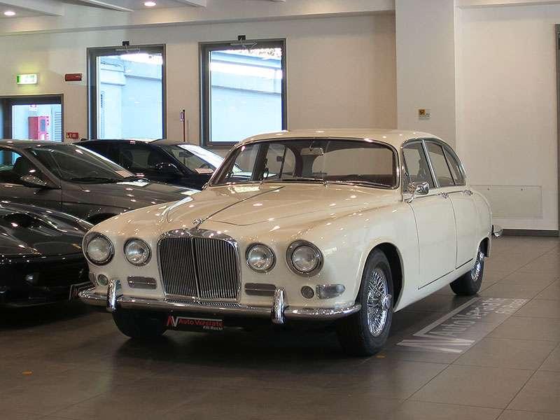 vendita jaguar 420 autovergiate auto di lusso e di. Black Bedroom Furniture Sets. Home Design Ideas